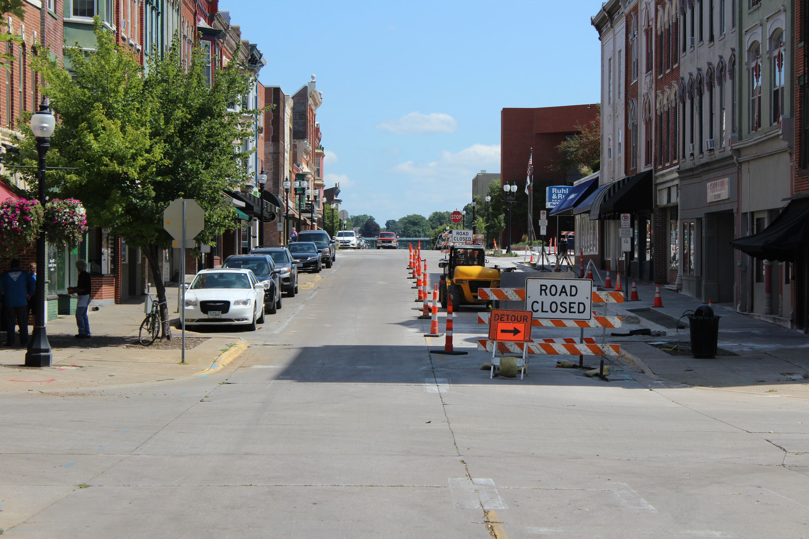 081220 2nd Street - looking east toward 200 block of East 2nd Street 001 (JPG)