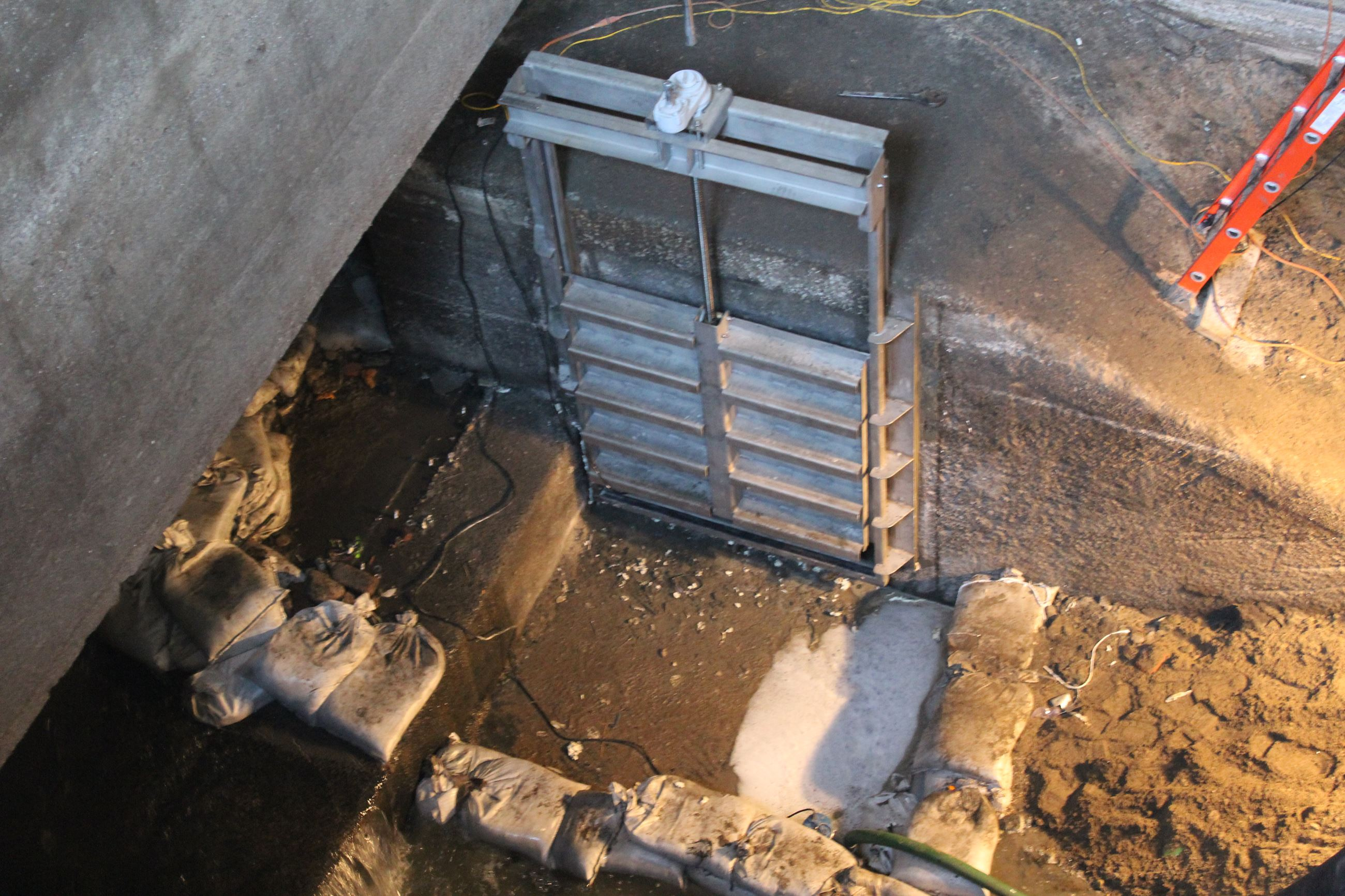 030921 Papoose Creek LIft Station - new sluice gate installed (JPG)