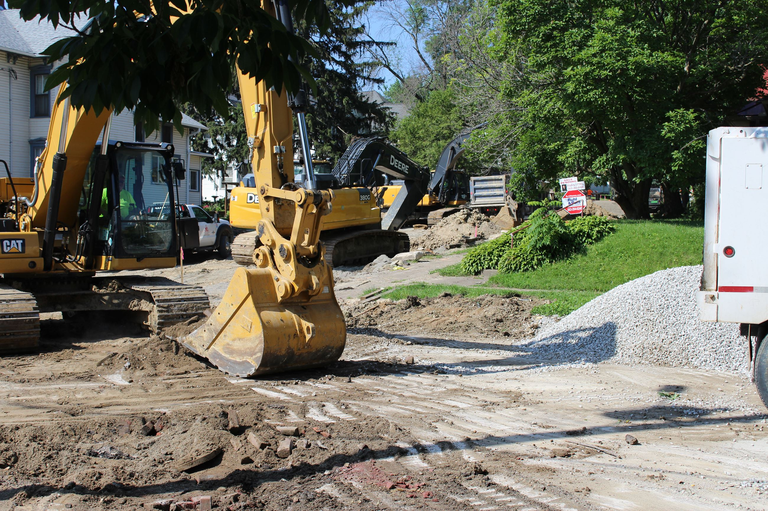 Work on Iowa intersection and up 8th toward Chestnut July 2, 2019 (JPG)