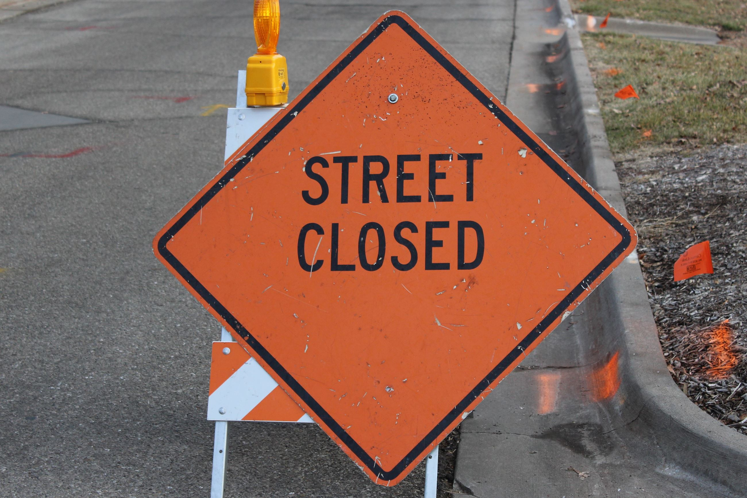 SIGN - Street Closed 01